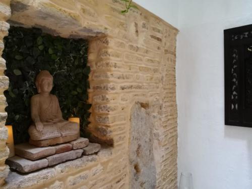 Buda en patio de atrás